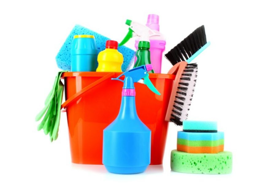 CLEAN LIVING ROOM: TOP 10 MUST HAVE EQUIPMENT AND TOOLS - Clean House Master